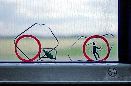 Zug, Bahn, Fenster, Signs, Aufkleber, Flaschen, Defekt