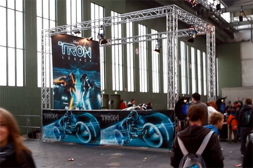 Das Light Cycle aus TRON: Legacy auf der Jugendmesse YOU in Berlin