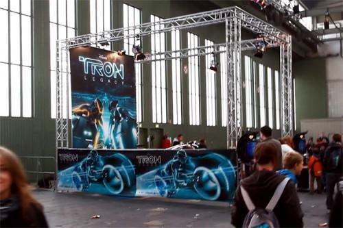 Das Light Cycle aus TRON: Legacy auf der Jugendmesse YOU in Berlin
