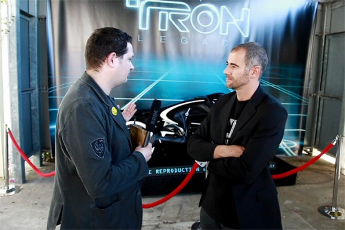 Das Light Cycle aus TRON: Legacy - Batz im Interview mit Designer Daniel Simon